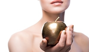 Apple Cider Vinegar Uses and Benefits for Hair and Skin, keeps your beauty problems away!