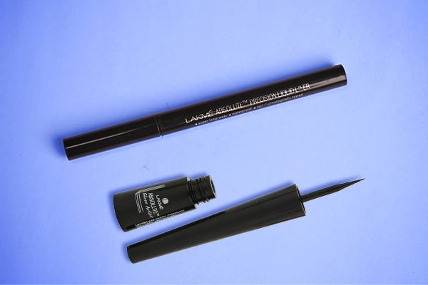 apply different styles of eyeliner before you begin