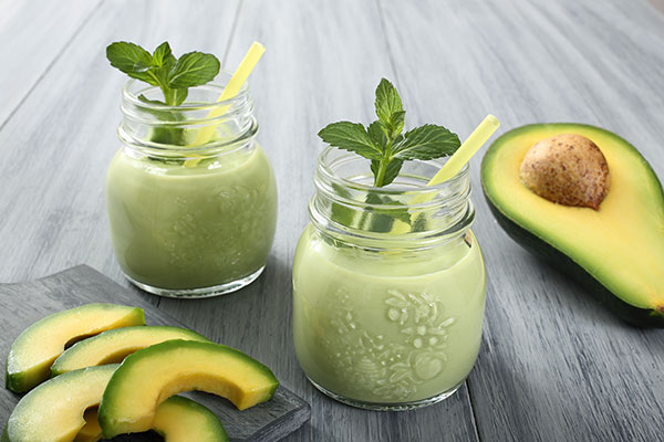 avocado cocoa smothie for skin 600x400