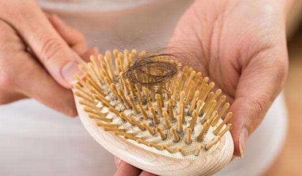 केस गळती वर आयुर्वेदिक उपचार