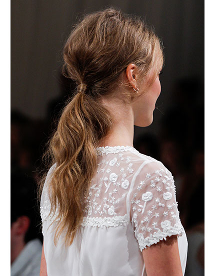 beauty guide new york fashion week low ponytails 430x550
