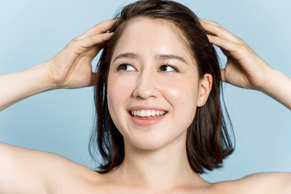 Soothe itchy scalp