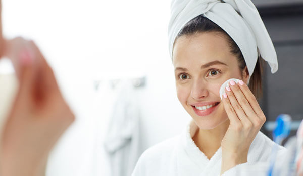WHAT ARE THE BENEFITS OF USING MICELLAR WATER?