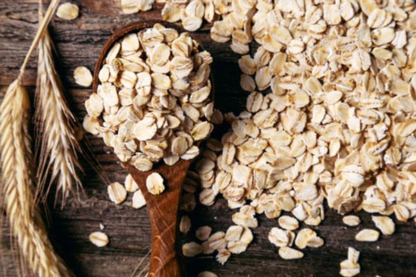 best diy monsoon oatmeal facepacks 600x400