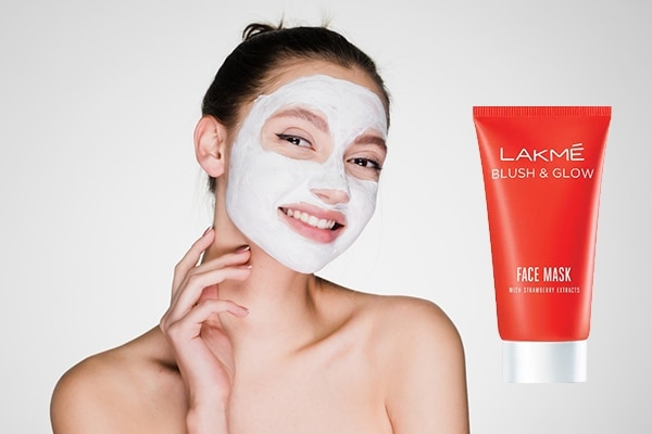 Lakmé Strawberry Blush & Glow Face Mask—for clogged pores no more