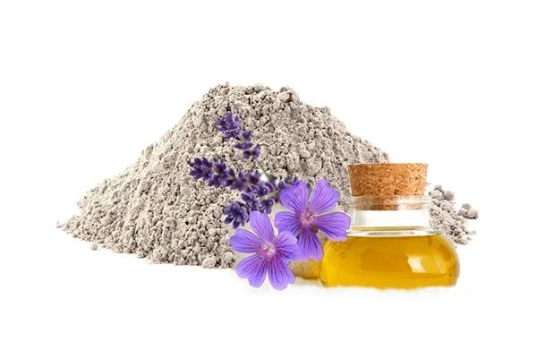 Bentonite clay + Lavender oil