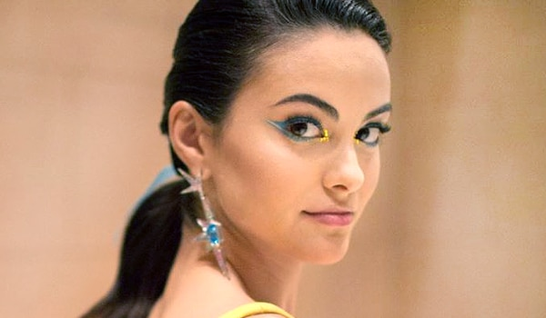 Monsoon-inspired blue eye makeup looks to flaunt this season