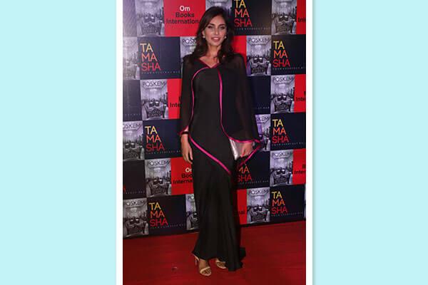 bollywood celebrity lisa ray fashion look