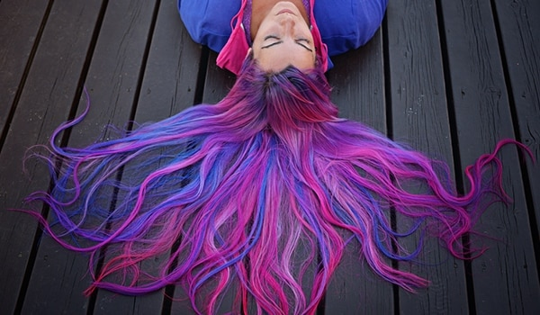 Are you brave enough to try the neon hair trend? This might convince you!
