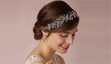 4 NO-FAIL BRIDAL HAIRSTYLES FOR MEDIUM HAIR
