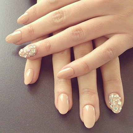Bridal Nail Art Diamante Manicure 430x550
