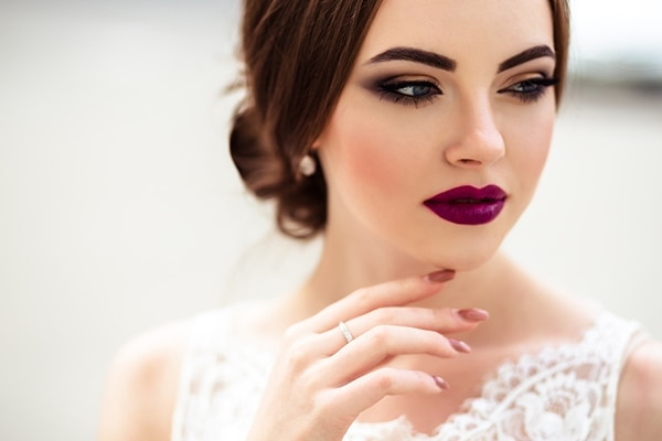 Why you should choose airbrush makeup for your wedding day