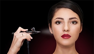 Airbrush makeup – the perfect solution to cakey makeup