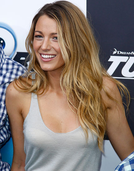celebs beauty looks to try beach waves 430x550