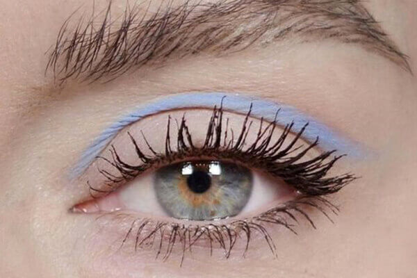 chalky pastel shades for eye makeup look