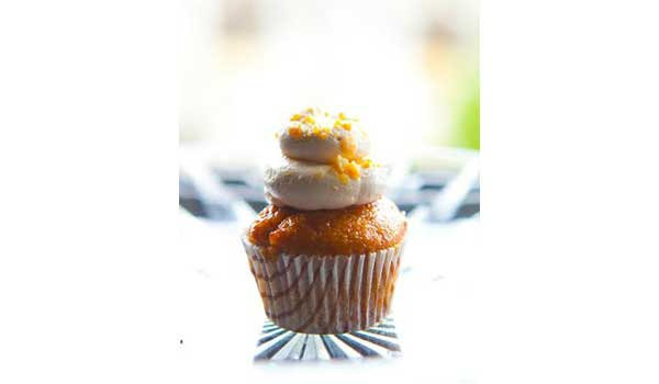 WE HUNT DOWN 8 POPULAR CUPCAKE SPOTS AND TELL YOU WHICH ONES MAKE THE CUT