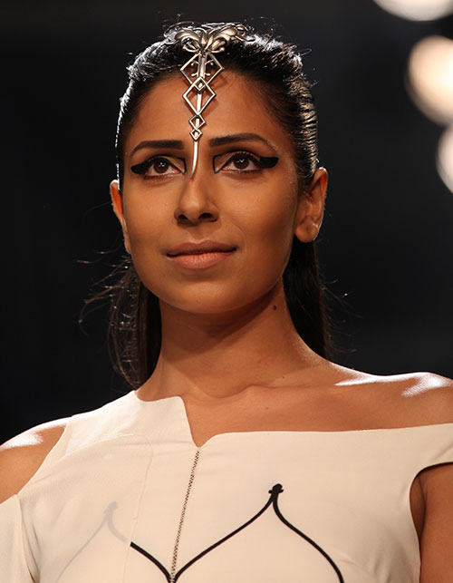 Daring Beauty Trends Spotted On The Ramp