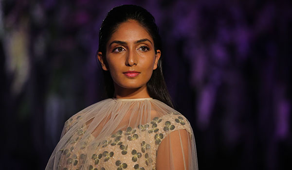 Decoding the beauty looks of day 1 from Lakmé fashion week