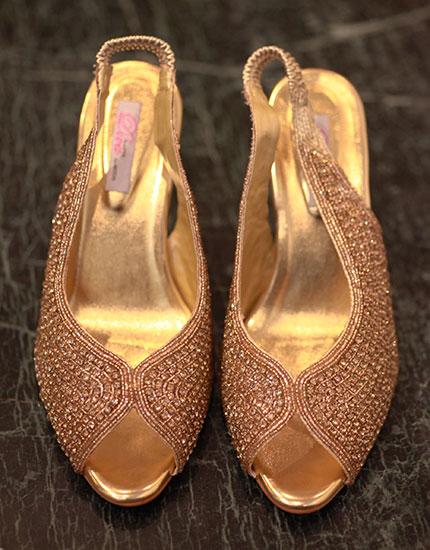 designer neelu oberoi styles bride to be reception heels 430x550