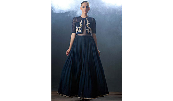DESIGNER RIDHI MEHRA TELLS YOU WHAT TO WEAR THIS PARTY SEASON