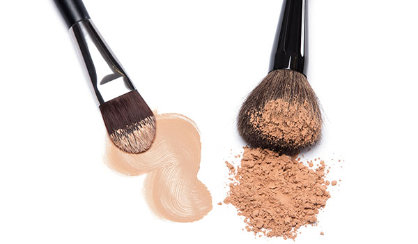 Difference between a compact powder and foundation