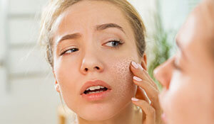 THE TRUE DIFFERENCE BETWEEN DRY AND DEHYDRATED SKIN