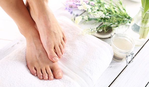 DIY foot mask to keep dry and cracked feet at bay