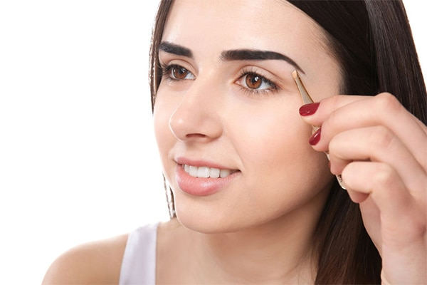 Easy ways to tame and groom bushy brows at home | Be ...