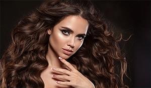 सेहतभरे, घने बालों के लिए इन चीज़ों को खाने में शामिल करें
