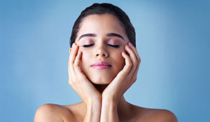 ESSENTIAL TIPS TO GET BRIGHT, RADIANT SKIN
