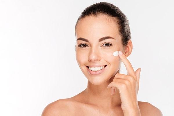 Moisturizer Facial Massage