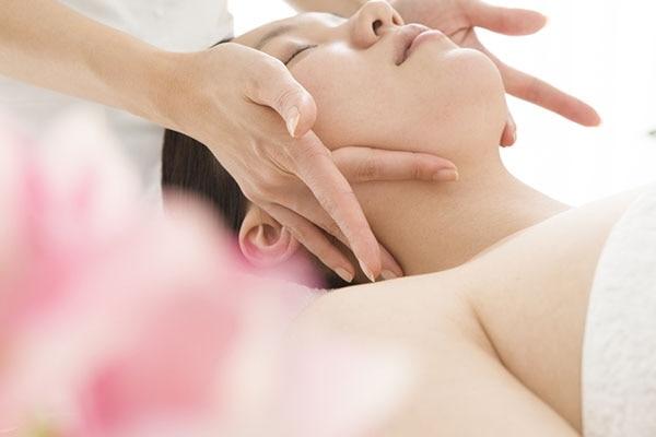 Jaw-line Massage