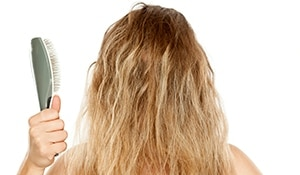 5 hair hacks every frizzy haired girl should know