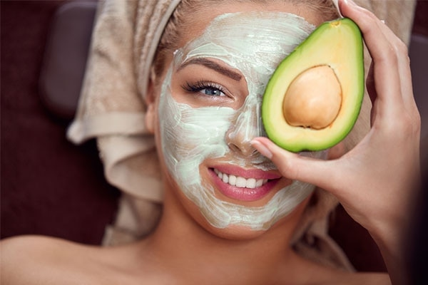 Benefits of applying fruit on your skin