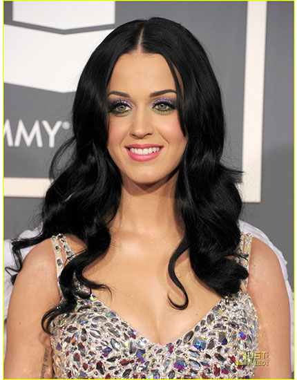 get the celebs bold pout look katy perry 430x550