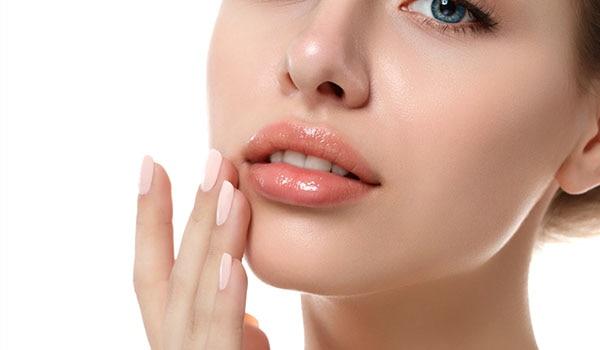 A GUIDE TO TAKE CARE OF YOUR LIPS