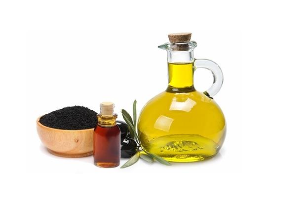 बाल बढ़ाने का तेल, कलौंजी दाने + ऑलिव ऑइल/नारियल का तेल