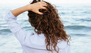 HAVE YOU TRIED THESE HACKS FOR CURLY HAIR?