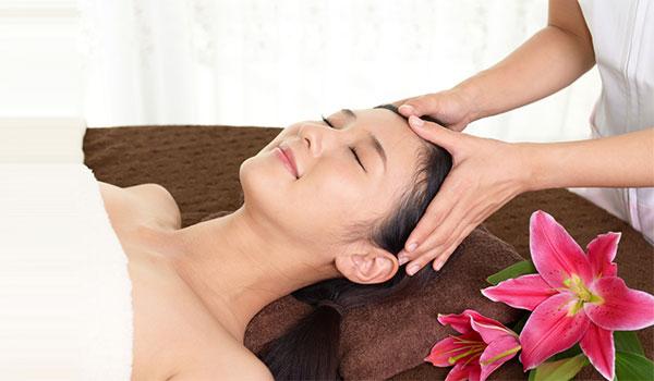 4 EFFECTIVE HAIR TIPS FOR AN OILY SCALP