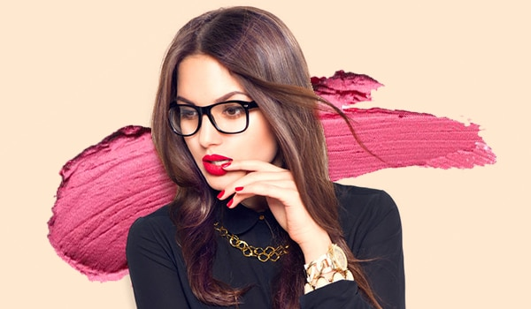 5 hairstyles that look amazing on girls who wear glasses