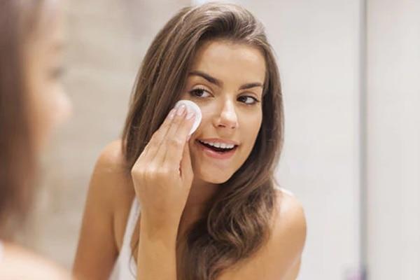 #4 Never Sleep With Makeup On