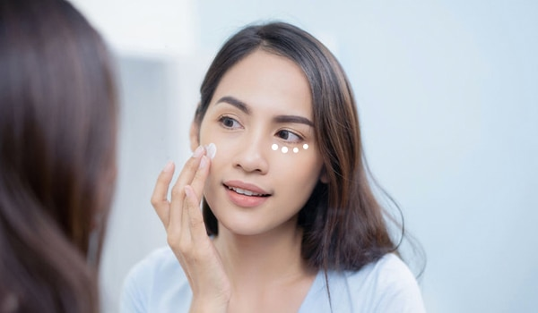 The right way to apply eye cream for maximum benefits: Step-by-step guide