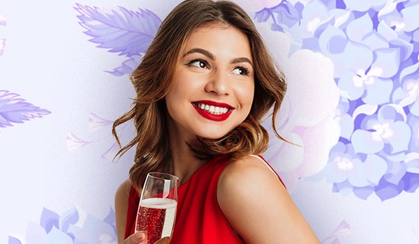 How to avoid lipstick stains on cups and glasses this holiday season