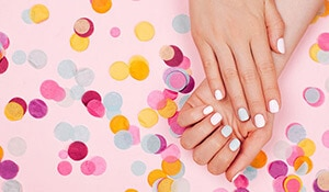 HOW TO CARE FOR A GEL MANICURE