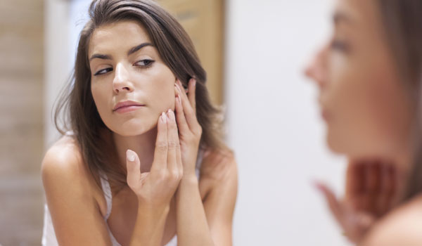 How to choose the right face wash for oily skin