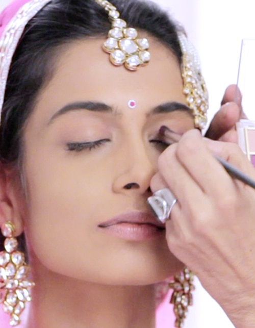 Step-by-Step Bridal Make-Up For Your Wedding Day