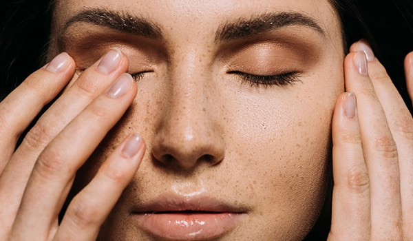 How to get rid of freckles on the face - 5 ways to do it