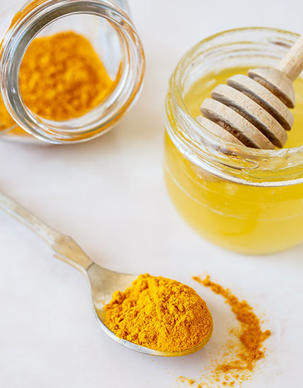 how to get rid of pores naturally honey turmeric mask 430x550