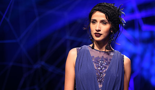 How to get Tarun Tahiliani's beauty look from the opening show