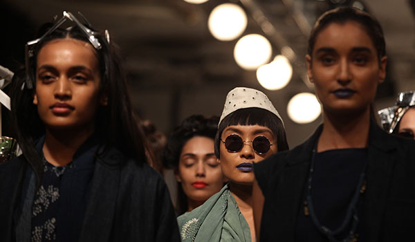 HOW TO GET THE BEST BEAUTY LOOKS FROM DAY 2 OF LFW S/R 2016